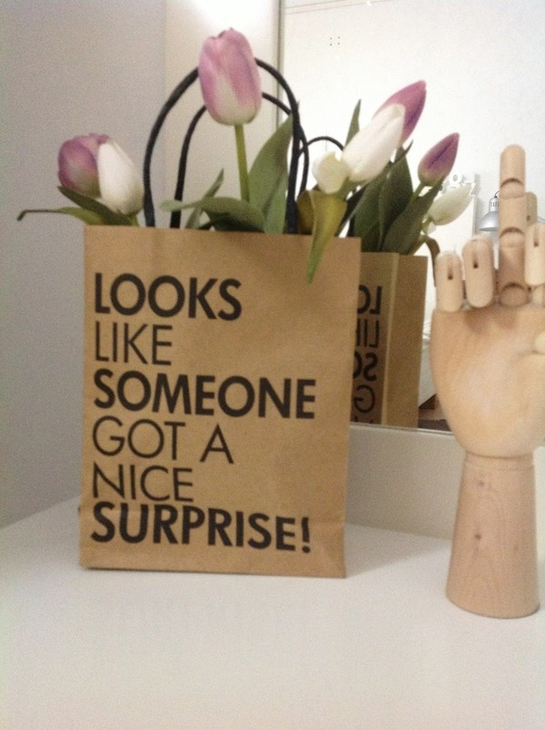 """i'm not a flower person like most girls...but if it came in a bag like this....why not....I """"wouldn't mind"""" :)"""