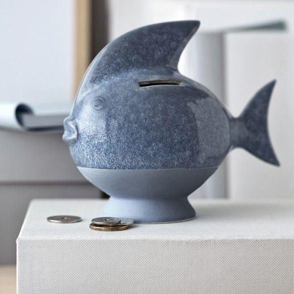 Discover Kähler's new money boxes – including the light blue fish here.