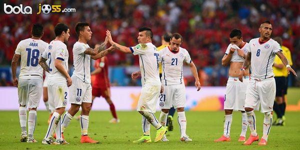 Cuplikan Gol Spanyol 0-2 Chile (Piala Dunia 2014). Spanyol takluk 0-2 dari Cile pada lanjutan laga Grup B Piala Dunia 2014 di Stadion Maracana, Rabu atau Kamis (19/6/2014) dini hari WIB. Dengan begitu, skuad La Furia Roja pun dipastikan tersingkir dari Piala Dunia 2014.
