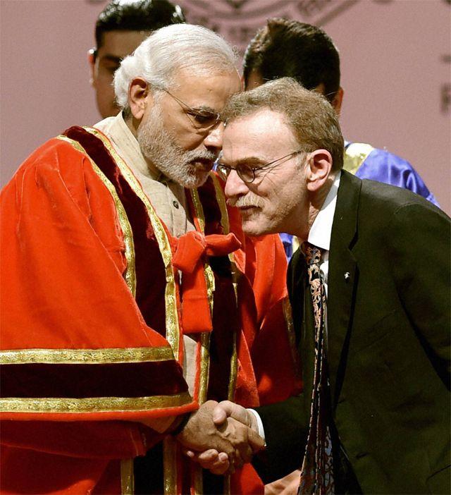 PM Modi praises Nehru for scientific temper - read complete news click here.... http://www.thehansindia.com/posts/index/2015-01-04/PM-Modi-praises-Nehru-for-scientific-temper-124365