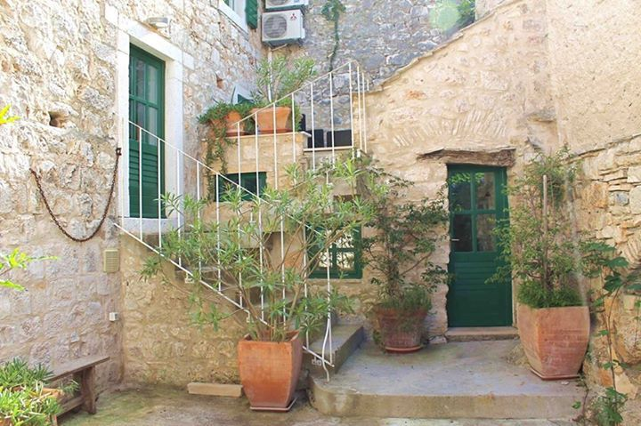Old Stone House For Rent In Brac Island - Croatia http://fishermanhouse.weebly.com/