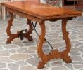 sofa table from Bernardi's (luigi).  Love that this expands to make a full size table.  Tavolo in noce massello con gambe a lira apribile a libro