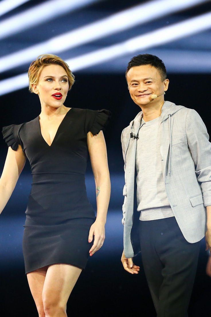 Scarlett Johansson at the Global Shopping Festival Gala in Shenzhen, China. (Nov. 11, 2016) from @ScarlettJohansson_Style's closet