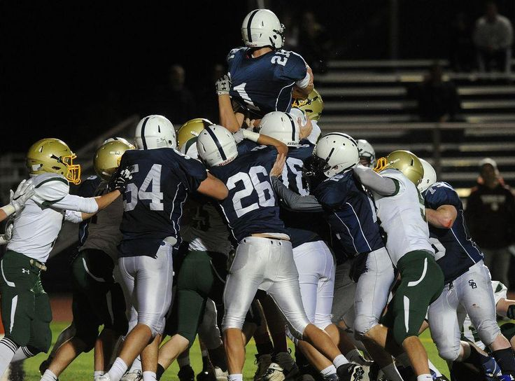SOMERSET BERKLEY FOOTBALL: Led by Nate Holt, Raiders win EAC ...