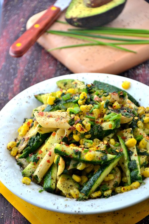 Gluten doesn't bother me and I'm certainly not vegan, but this looks good!    Gluten-Free & Vegan Summer Corn Pasta Salad