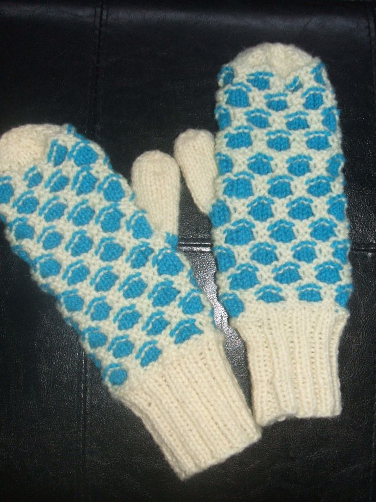Newfoundland Honeycomb Mitten-Traditional by soxylady on Etsy