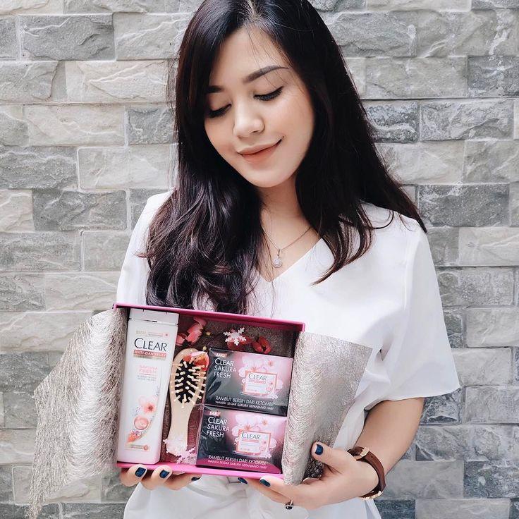 "4,355 Likes, 8 Comments - Vira Yunita Ş. (@virayunitaa) on Instagram: ""Got this beautiful box from @HomeTestetClubID filled with Clear Sakura Fresh. Di dalamnya ada…"""