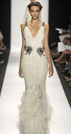 Variations sur la #robe de mariée: #Carolina #Herrera. #mariage