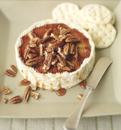 baked brie with maple syrup and pecans. So easy and so delicious