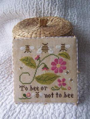 Fallen in love with LHN and CCN patterns: Bee Sampler
