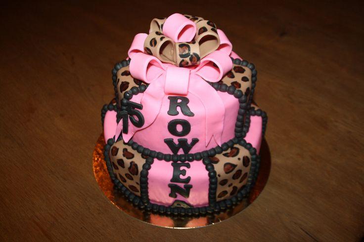 Roze panterprint taart