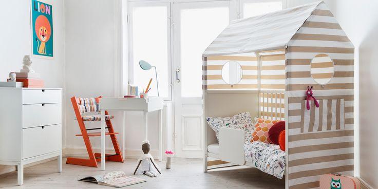 wundersch nes kinderbett im hausdesign von stokke home bei kinnings babythings im babymarkt. Black Bedroom Furniture Sets. Home Design Ideas