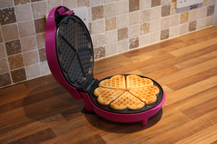This Gourmet Gadgetry Waffle maker is fab!