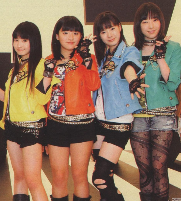 new girls from Morning Musume 9th generation. I want a pair of those tights on the rightmost girl, so cute
