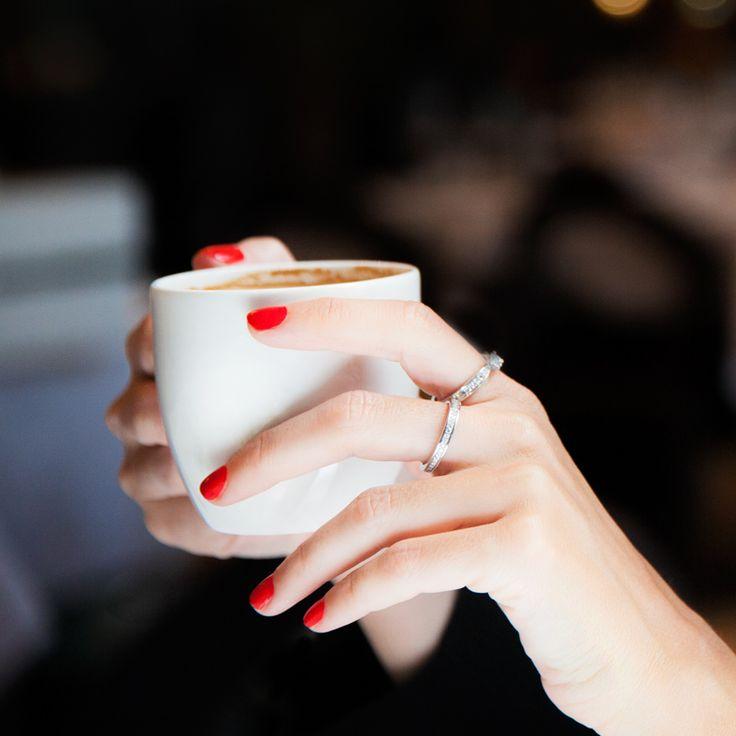 Eternity Ring, el anillo pavé de argyor perfecto como anillo de aniversario, alianza de boda o anillo de compromiso. Ideal en oro blanco y diamantes.