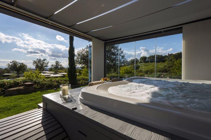 90 best spas jacuzzi en int rieur images on pinterest. Black Bedroom Furniture Sets. Home Design Ideas