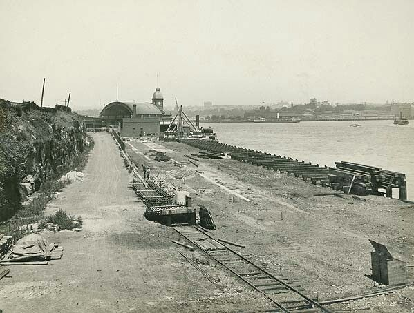 Site of Milsons Point Railway Station in northern Sydney in 1925. •State Records of NSW• 🌹