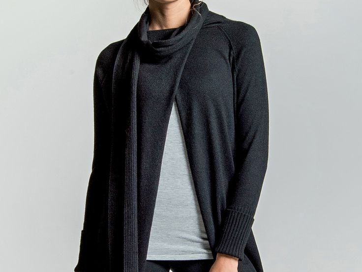 LOOM – Cashmere coat with scarf
