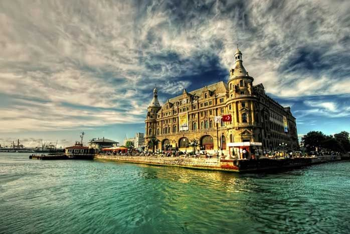One of the city's most amazing architectural pieces is, without a doubt, the Haydarpaşa Terminal. Built around 1908 by two German architects, this neo-classical structure was operating as a grand terminal until train lines were suspended in 2012.