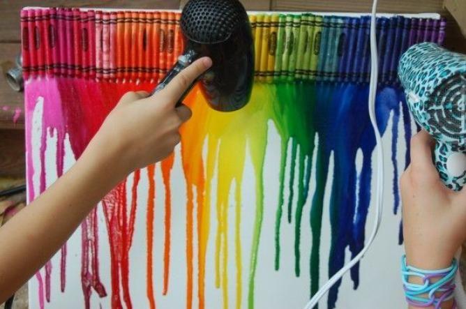 光と色の共演☆クレヨンを溶かして作るサンキャッチャーが簡単なのにキレイ! - Weboo