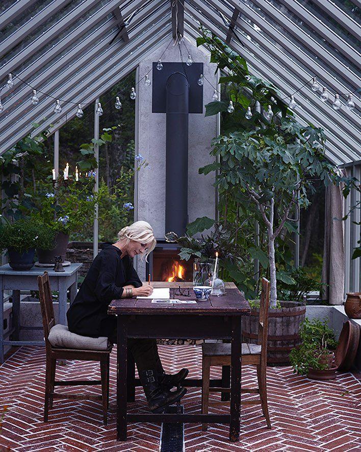 """6,434 gilla-markeringar, 112 kommentarer - Victoria Skoglund (@victoriaskoglund) på Instagram: """"Ett växthusmin plats på jorden. Bilden är från senaste numret av @residencemagdär ni kan läsa mer…"""""""