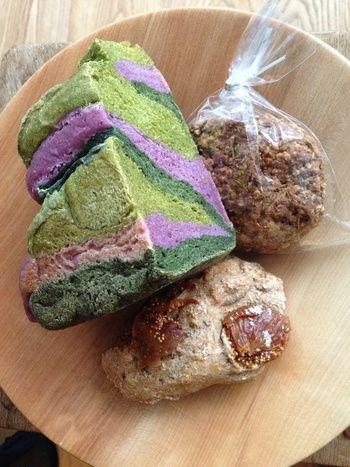 東京・上野や浅草エリアなどの下町に数多くある美味しいパン屋さん。なかでも、「このお店のパンをまずは食べて欲しい!」と願う人気のお店をご紹介します。下町エリアを中心にリストアップしたので、東京メトロ24時間券、または東京メトロ・都営地下鉄共通一日乗車券を使えば、パン屋めぐりにも便利ですよ!