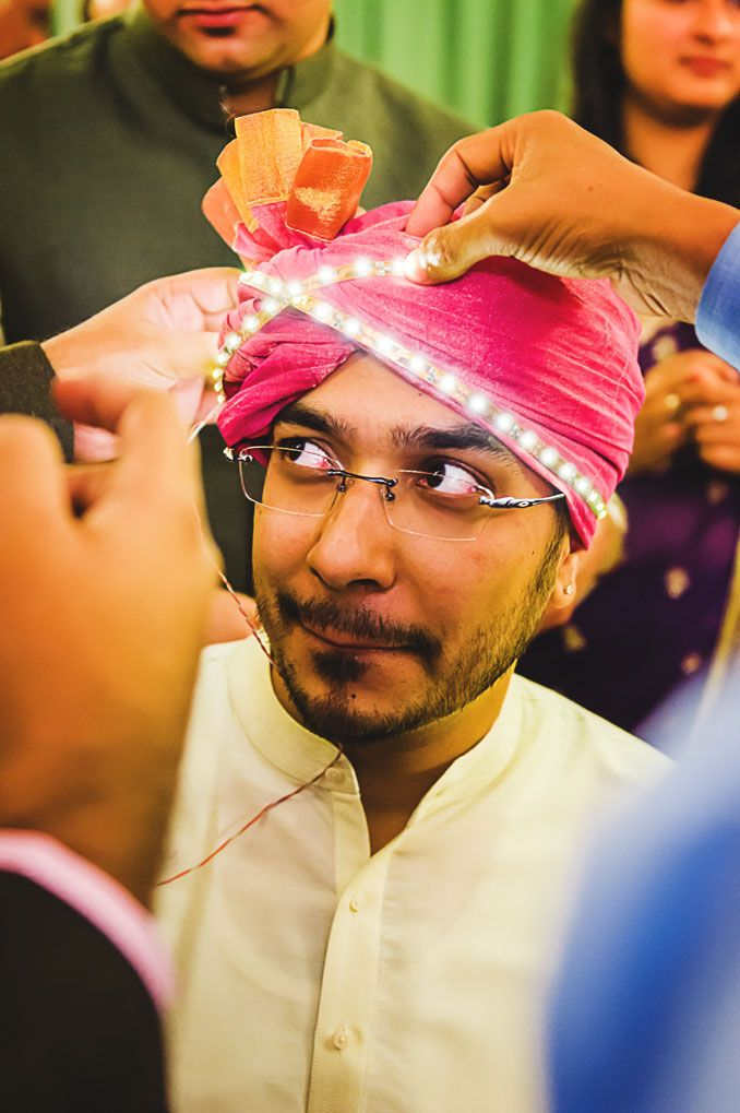 Here's a great idea : LED lights for the groom's turban - the bride would never out shine him at this wedding! ;)