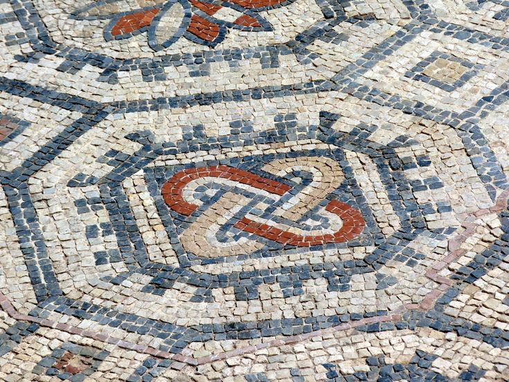 Mosaicos geométricos en El Palmeral, Santa Pola (Alicante). | Matemolivares