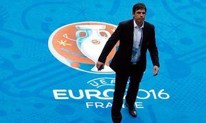 Chris Coleman tells Wales players to be streetwise in Portugal semi-final
