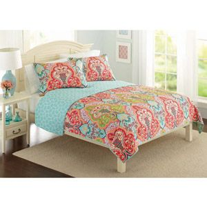For the guest bed: Better Homes and Gardens Quilt Collection, Jeweled Damask