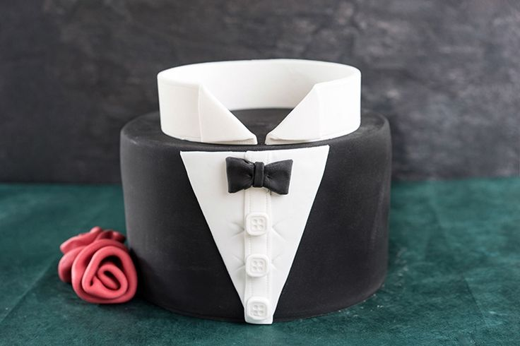 Bachelor Fondant Torte / cake  Bräutigam James Bond  Casino