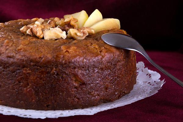 Καρυδόπιτα για τις μέρες της νηστείας… Προετοιμασία: 15 λεπτά-Μαγείρεμα: 60 λεπτά Υλικά Καλαμποκέλαιο 1 1/2 φλυτζάνι του τσαγιού Ζάχαρη 1 1/2 φλυτζάνι του τσαγιού Καρυδόψιχα 1 1/2 φλυτζάνι του τσαγιού Σταφίδες ξανθές 1/2 φλυτζάνι του τσαγιού Σταφίδες μαύρες 1/2 φλυτζάνι του τσαγιού Νερό 2 1/2 φλυτζάνια του τσαγιού Κονιάκ 1/2 φλυτζάνι του τσαγιού Μπέικιν πάουντερ …