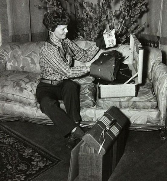 Last known picture of Amelia Earhart: Old Photos Taken from Important Moments in History