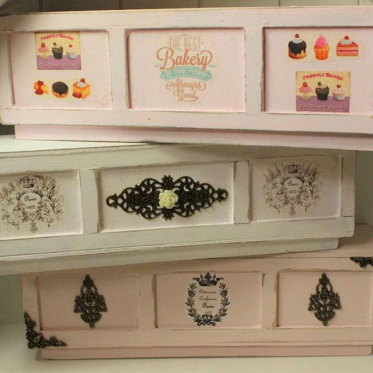 New empty bakery displays available in my shop