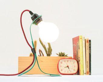 Mediados de siglo nórdico lámpara - escritorio moderno de la lámpara - luz de acento decorativo - lectura verde pintado a mano - niños dormitorio decoración sobremesa