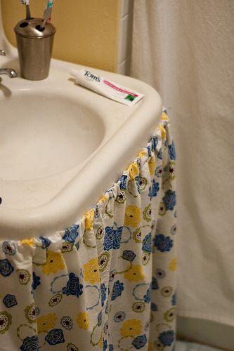 Bathroom Sink Skirt DIY