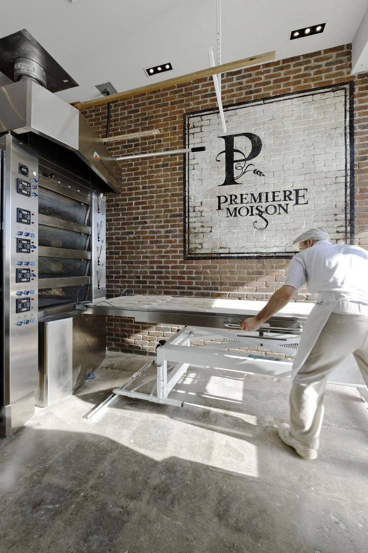 LEMAYMICHAUD   PREMIÈRE MOISSON   Québec   Architecture   Interior Design   Restaurant   Eatery   Bakery   Bread   Signage  