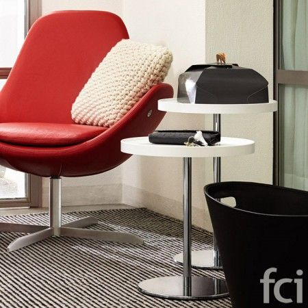 Tray Small Round #CoffeeTable by #Calligaris starting from £194. Showroom open 7 days a week. #moderncoffeetables #modernfurniture #calligaris_coffeetables #coffeetable_london #stylish_coffeetables #furniture_showroom_london #furniture_stores_london