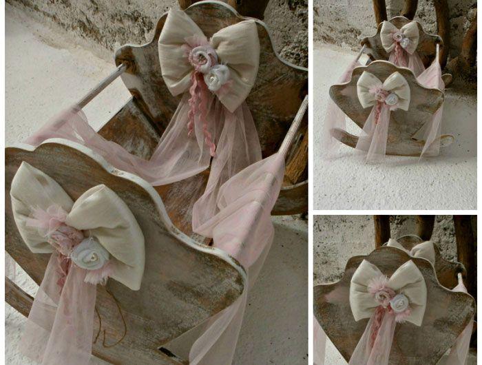 Χειροποίητη ξύλινη κούνια σε vintage στυλ