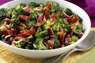 Ensalada de brócoli con tocino