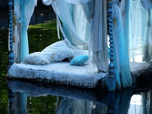 39 best images about Cool water beds on Pinterest | Lounge ...