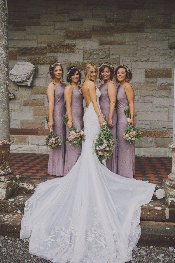 Mariage irlandais d'été enchanteur au château de Leslie  #chateau #enchanteur #irlandais …
