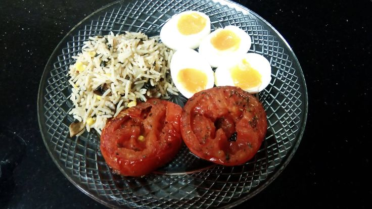 After coming home late, I needed to make some dinner quickly. Had some left over rice in the fridge, so a few boiled eggs, fried tomato and a complete meal was had. You don`t have to make meals complicated. Just fresh and wholesome!