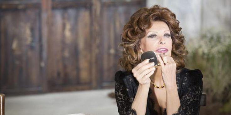 Il y a des beautés qui sont éternelles. Sophia Loren en est la preuve vivante. À 81 ans, l'actrice italienne a gardé sa classe naturelle et la marque de luxe Dolce & Ga