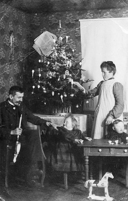 Weihnachten 1910 by jan_ranft, via Flickr