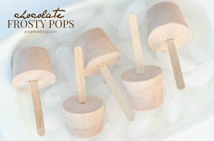 Chocolate Frosty Pops {Hello Summer} I Heart Nap Time | I Heart Nap Time - Easy recipes, DIY crafts, Homemaking