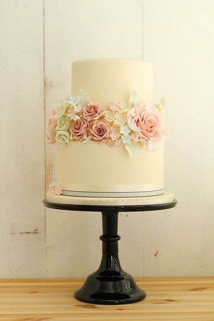 Romantic Vintage Wedding Cake   Flickr - Photo Sharing!