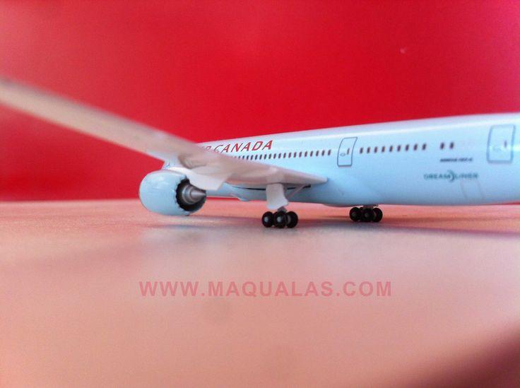 Avion a escala 1:500 de Herpa, Modelo: Boeing 787-8 Dreamliner, Aerolinea: Air Canada