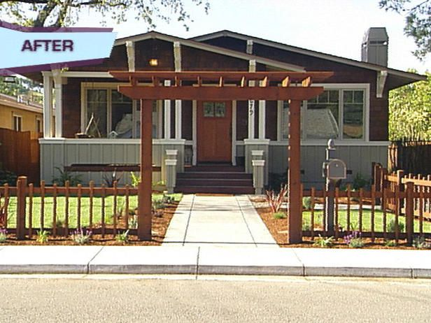 Perfect i want this and to grow wisteria plants across for Craftsman style trellis