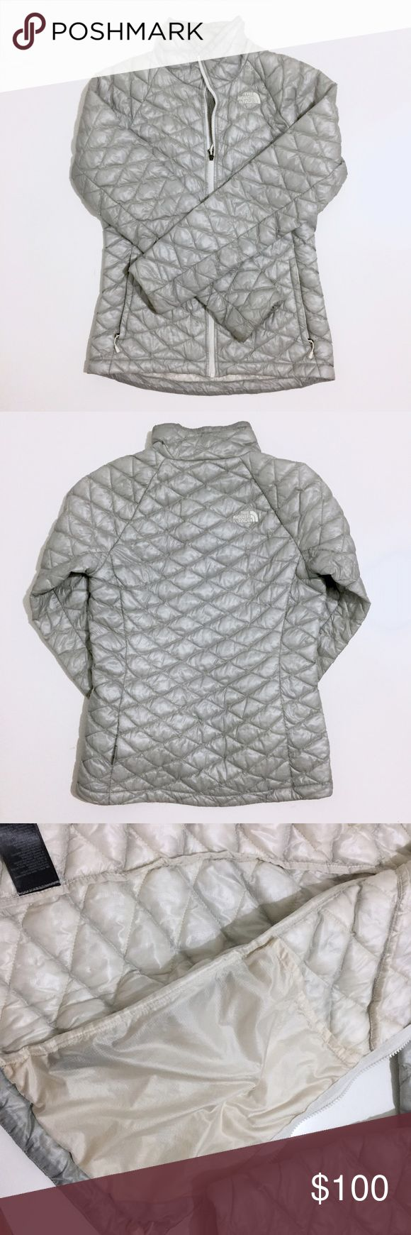 North Face Thermoball Jacket XS Even when it's 40 degrees outside, this jacket will totally keep you warm without even having to wear a sweater underneath and it's extremely lightweight! Worn only a handful of times but still in super excellent condition. North Face Jackets & Coats Puffers